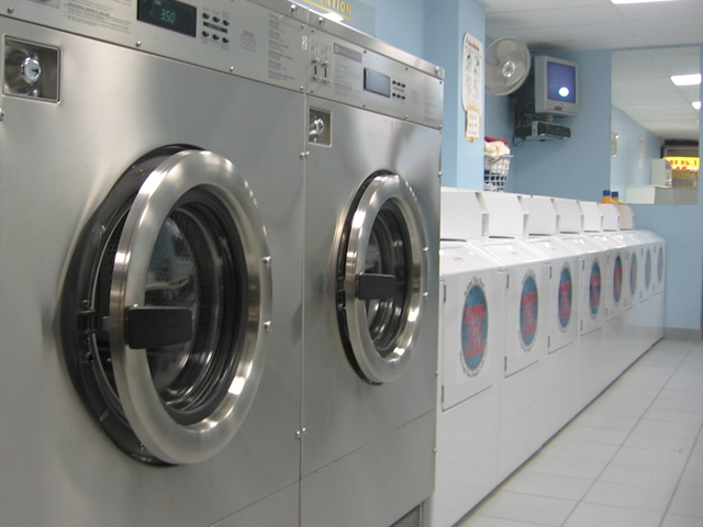 Choosing Industrial Washing Machines 1